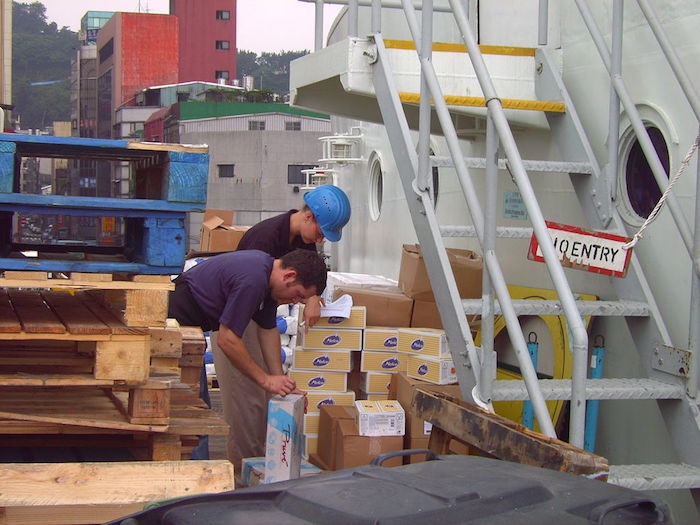 Warehouse Picker Job Description
